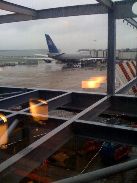 Longe @ LHR en route to LAX